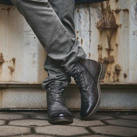 Schuhe und Accessoires - Bugatti